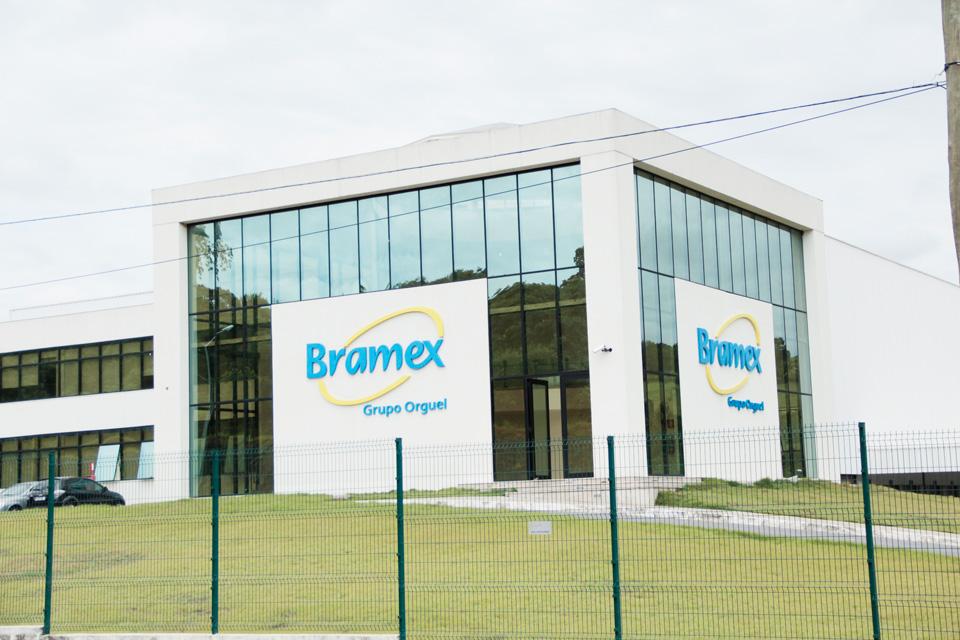 Fachada da bramex acriart comunica o visual - Empresas de fachadas ...